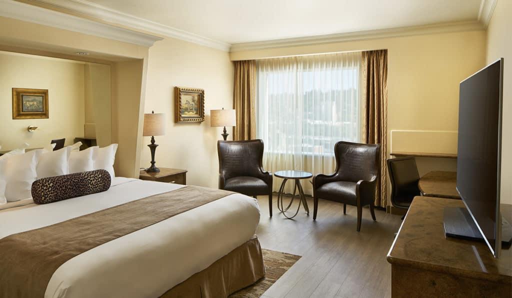Davenport Tower Suites Bedroom