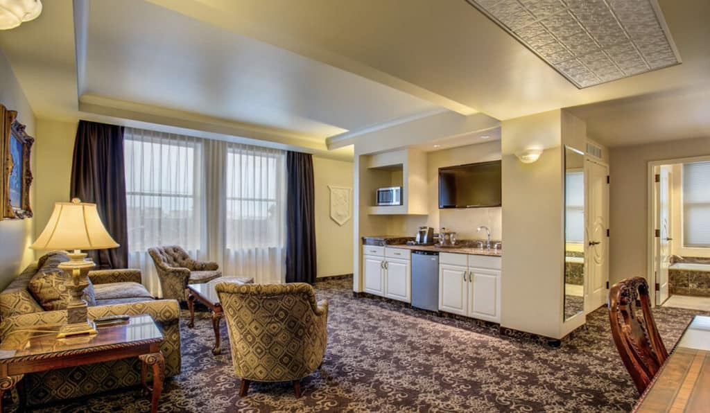 Living area and Kitchenette | Parlor Suite | Historic Davenport