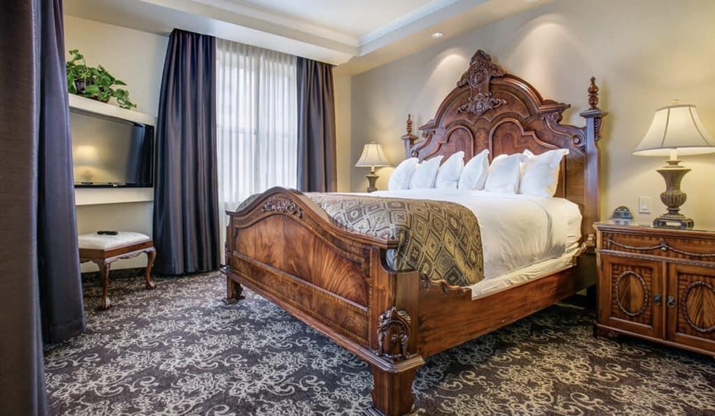 Bed | Parlor Suite | Historic Davenport
