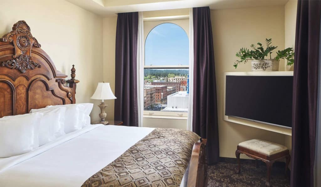 Bedroom | Parlor Suite | Historic Davenport