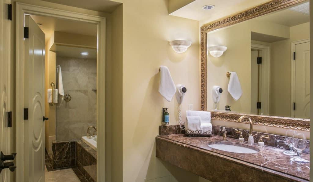 Bathroom | Parlor Suite | Historic Davenport
