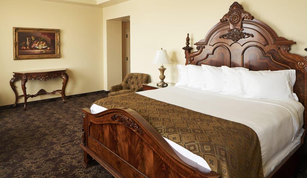 Superior Bedroom- King Bed | Historic Davenport