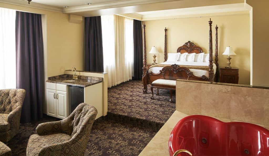 Honeymoon suite full room view | Historic Davenport