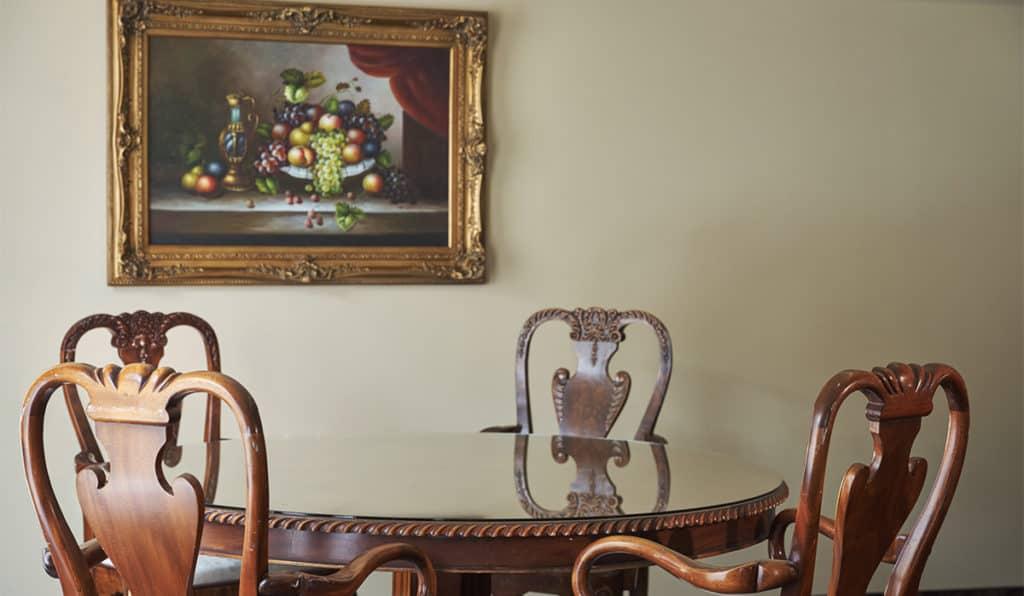 Table | Apartments Room | Historic Davenport