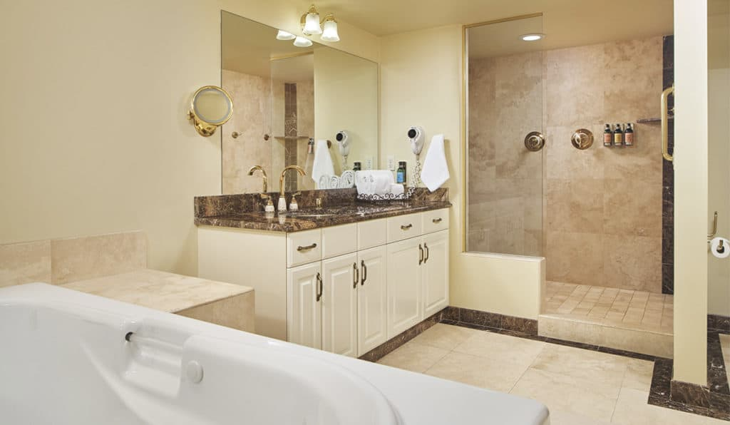 Bathroom | Apartments | Historic Davenport