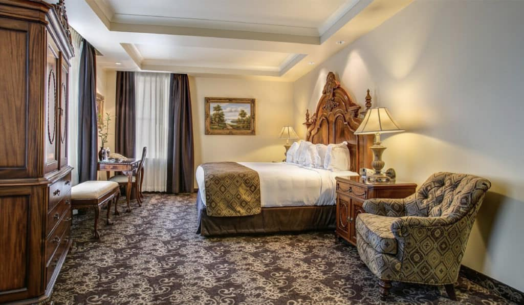 full bedroom view | Deluxe Room | Historic Davenport