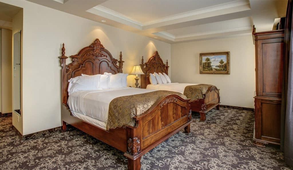 Two Beds | Deluxe Room | Historic Davenport