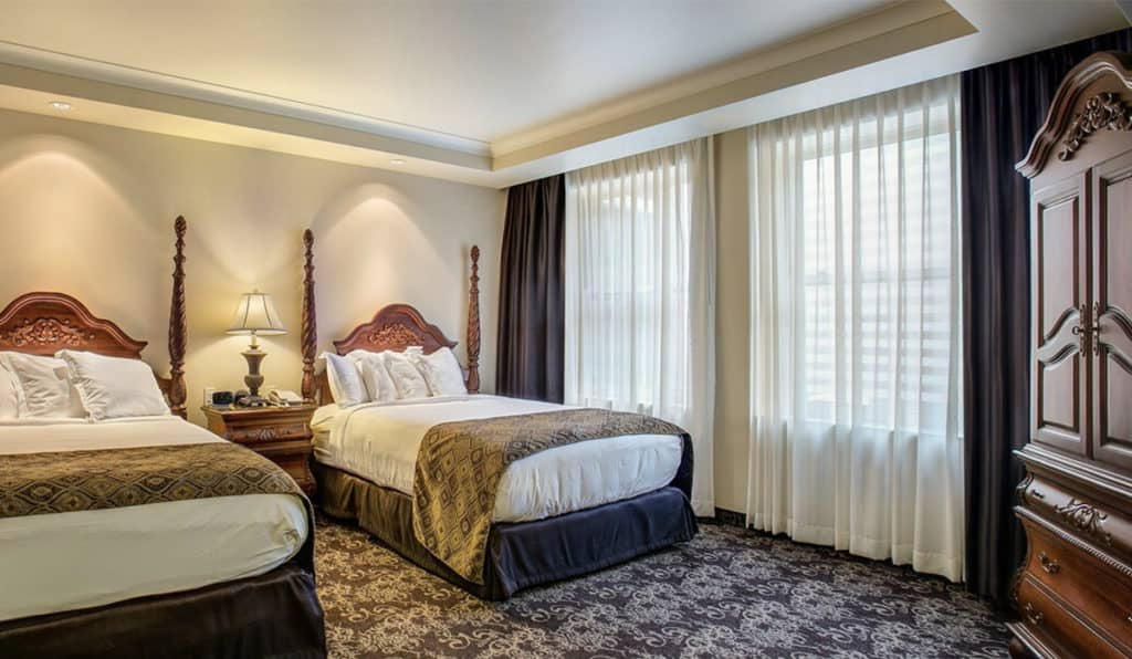 Two Beds | Deluxe Room | Historic Davenport