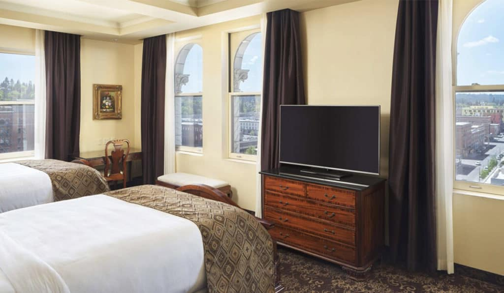 Bedroom with Two beds | Deluxe Room | Historic Davenport