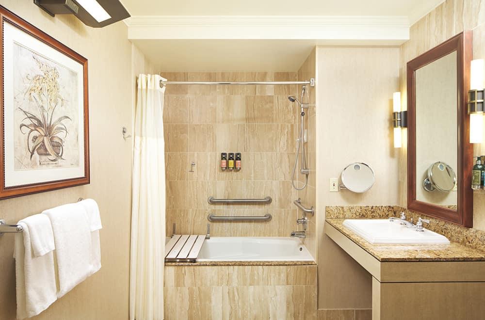 Davenport Lusso | Bathtub and Shower