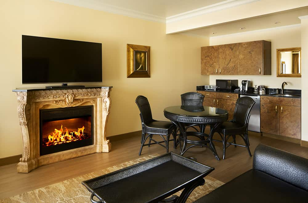 Davenport Tower | Fireplace and Living Area