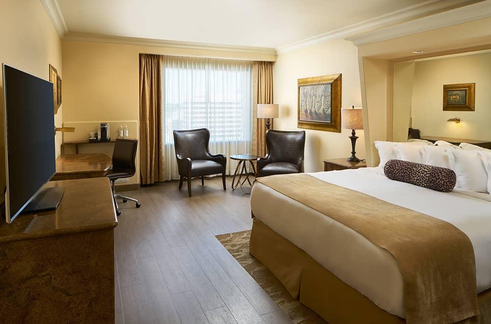 Davenport Tower | Suite Bed