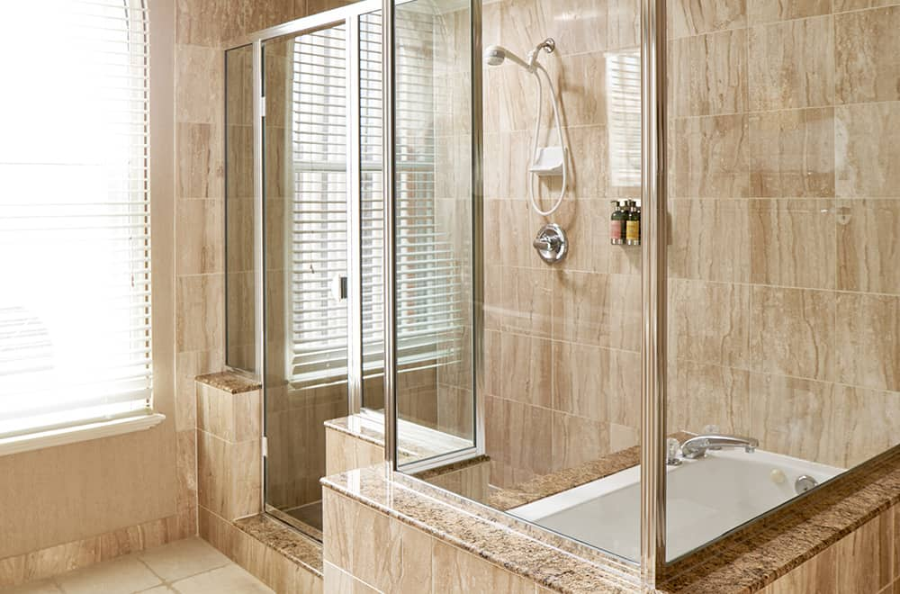 Davenport Lusso | Suite | Bathroom shower