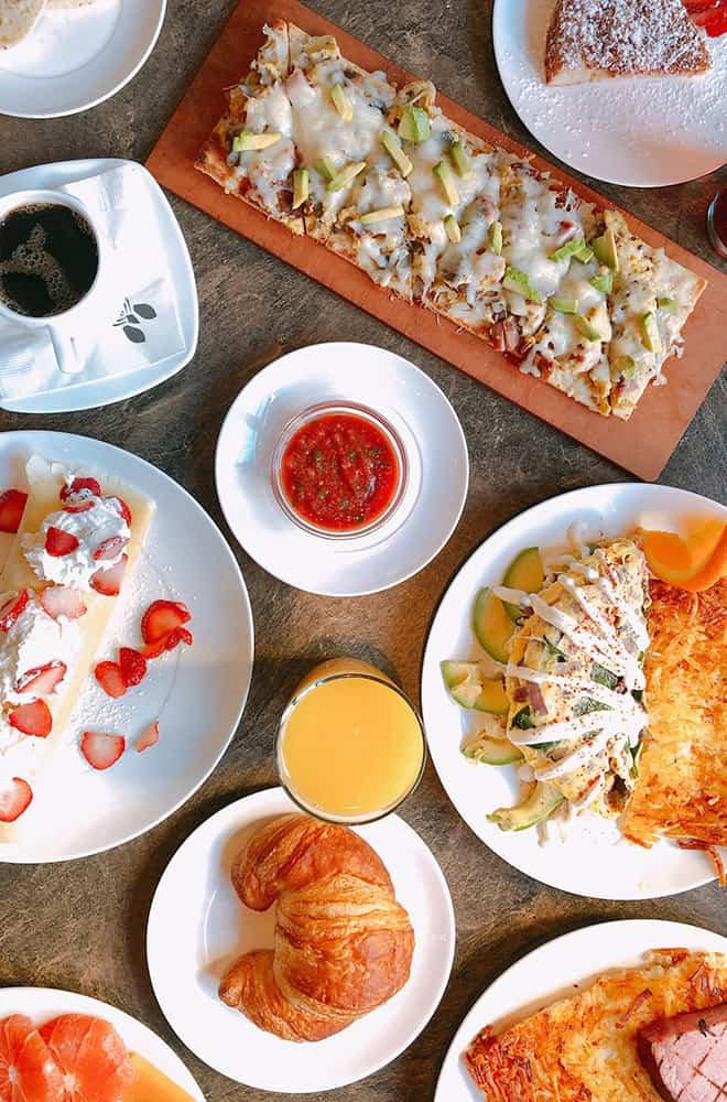 Davenport Tower | Safari Room | Food