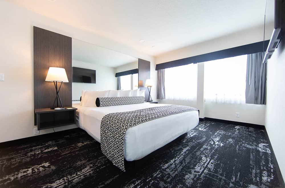 Room | King bed | Centennial