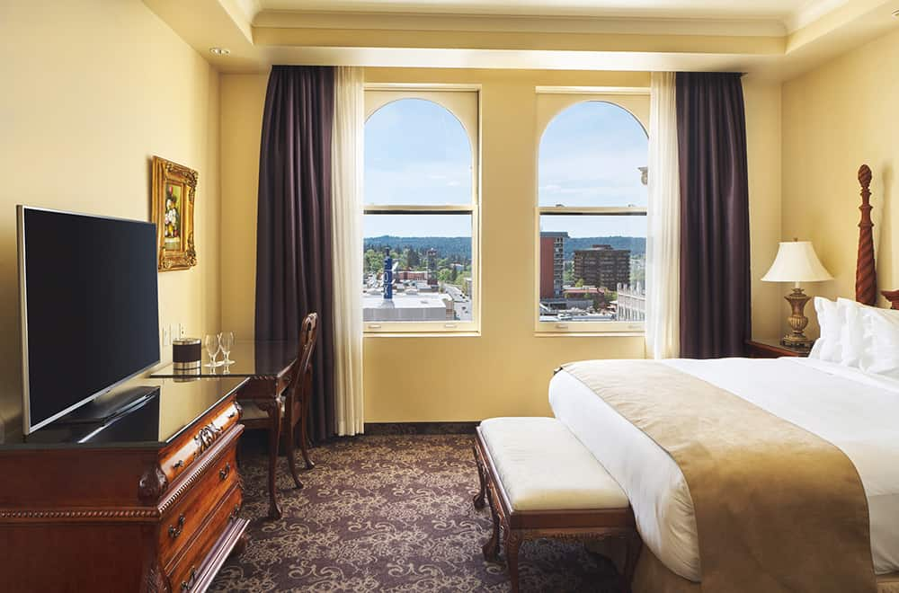 Bed with view | Rooms | Historic Davenport
