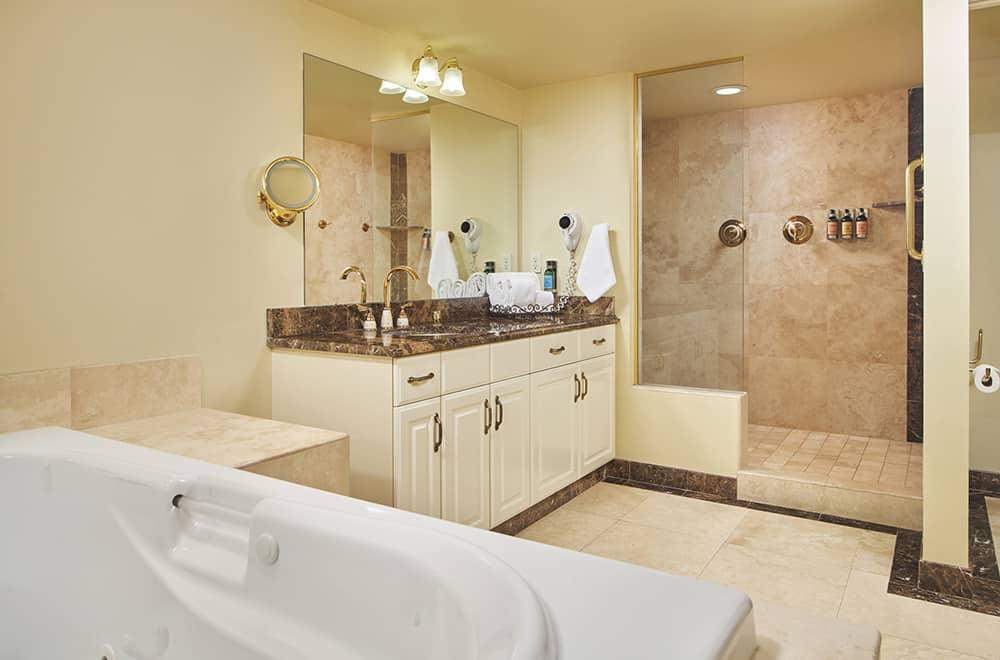 Bathroom | Rooms | Historic Davenport