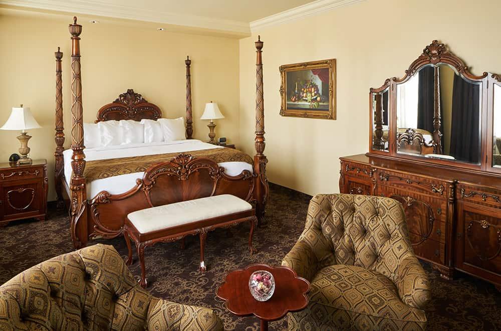 Bedroom | Rooms | Historic Davenport