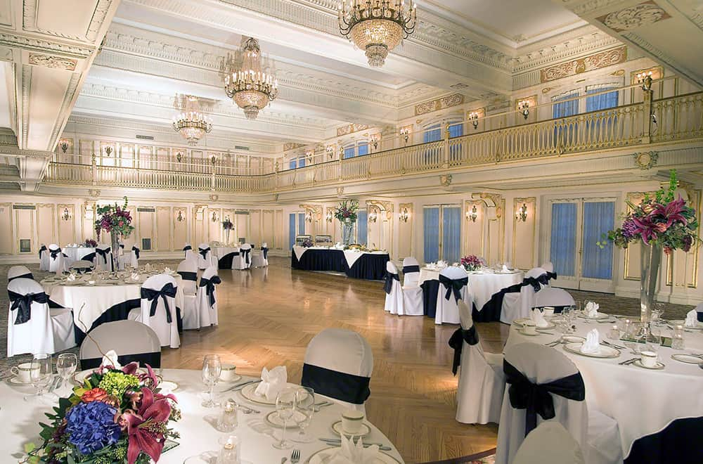 Dance Floor with round Tables | Weddings | Historic