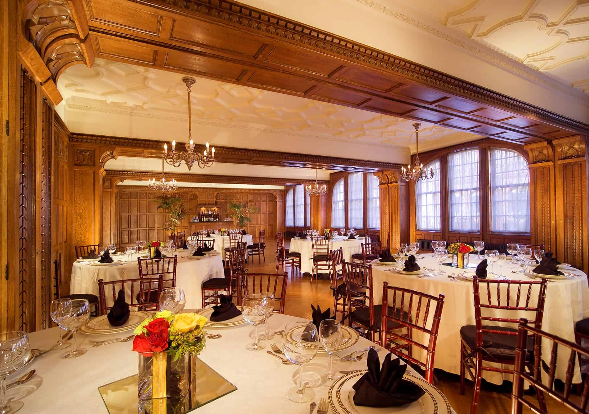 Meeting Room | Round tables | Historic Davenport |