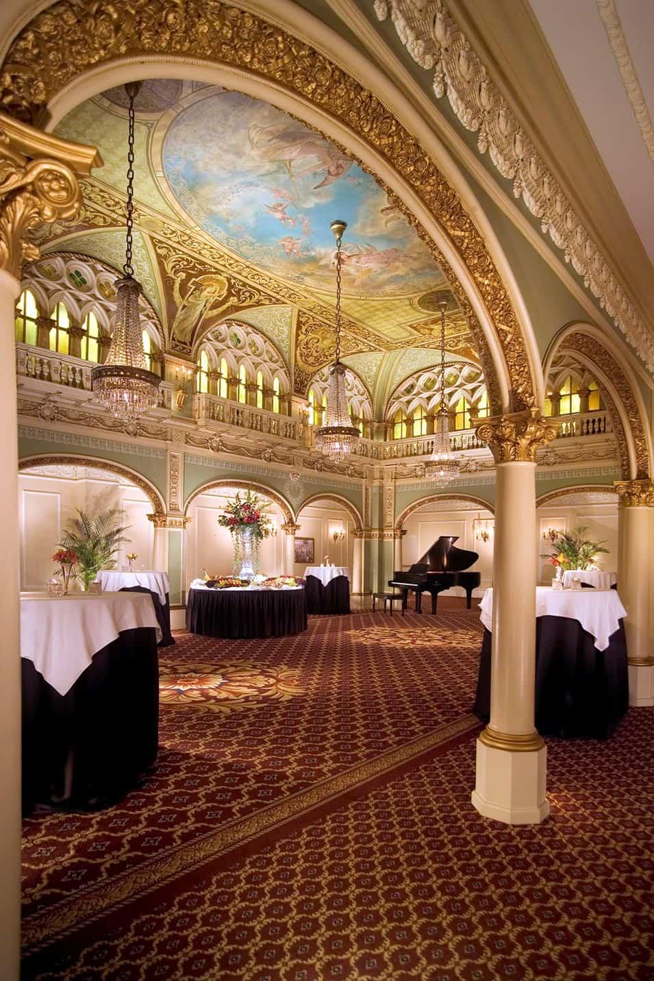 Meeting Hall | Historic Davenport | Round Tables