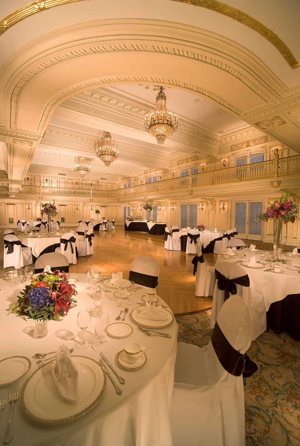 Meeting Room | Seats and tables | Historic Davenport