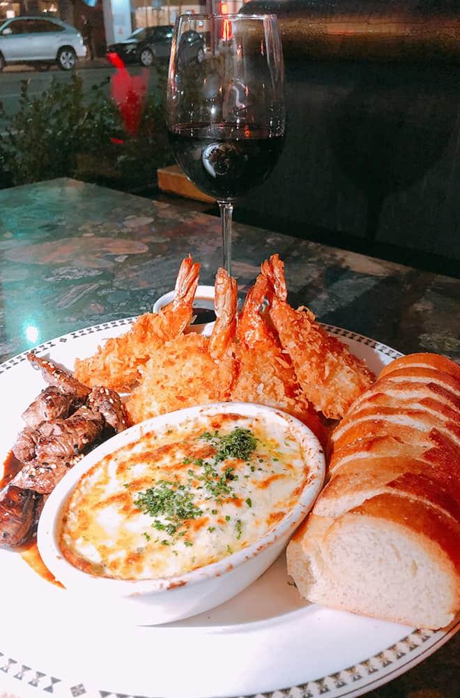 Peacock Lounge | Historic Davenport | Dining