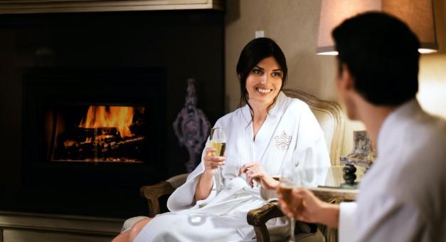 Women by fire | Davenport Hotels