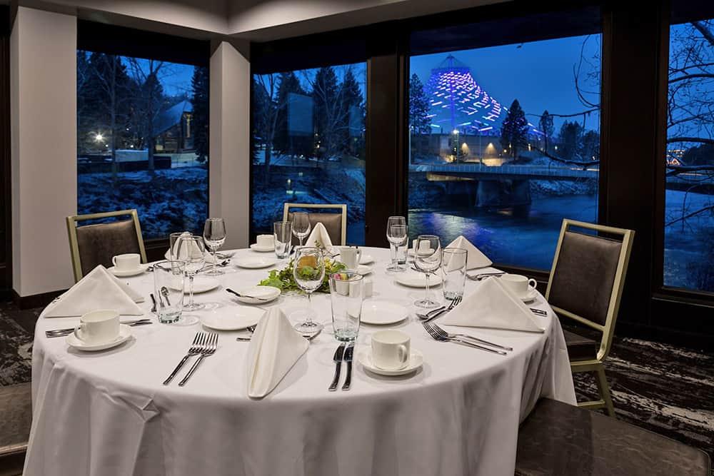Restaurant table | dinner setting | Davenport Centennial