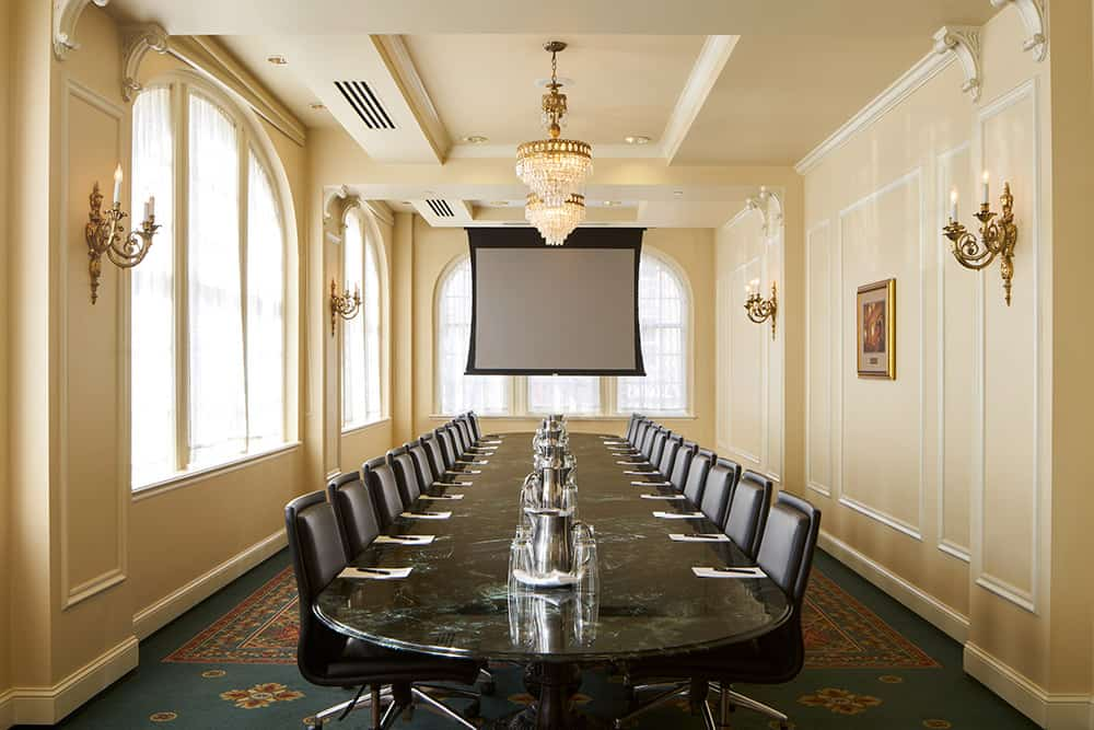 Meeting room | Large table | Historic Davenport
